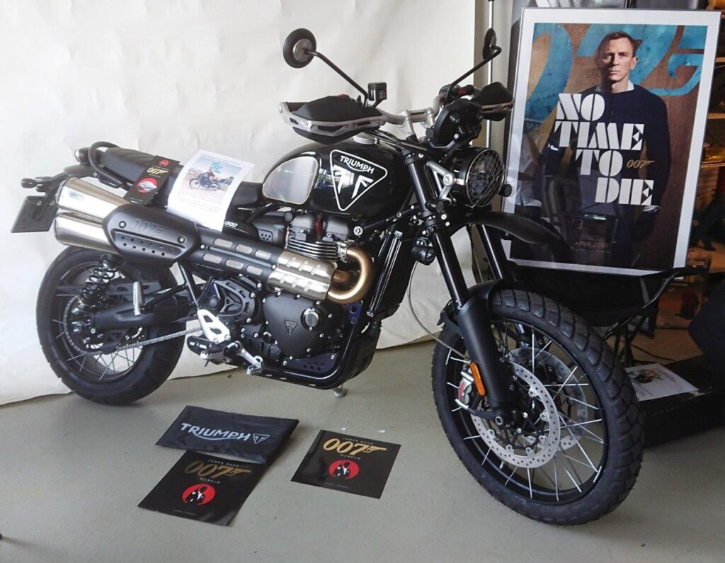 NO TIME TO DIE TRIUMPH SCRAMBLER 1200 BOND EDITION